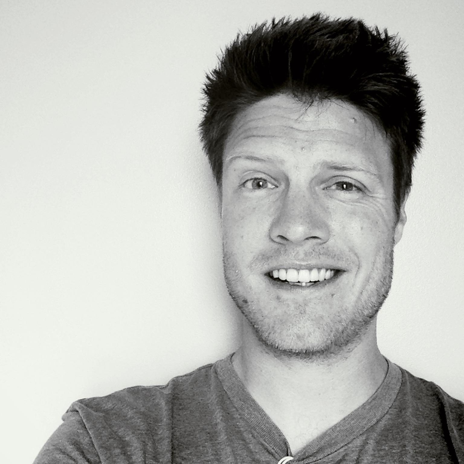 justin-jackson-profile-smile-selfie